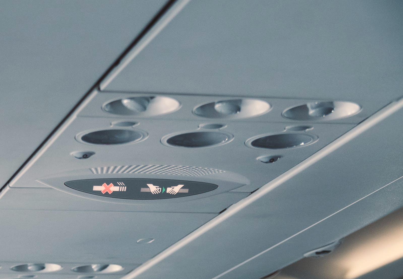 airline-overhead-panel